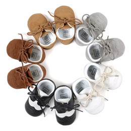 Wholesale Bebe Lace - Newborn Boys Girls Shoes Crib Bebe Soft Moccasins First Walkers Infant Toddler Lace Up Spectator Brogue Sneakers Prewalkers Shoe