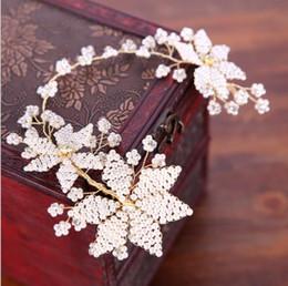 Ornements de tête de perle européens et américains, fleurs blanches, boutons de cheveux faits à la main, décorations de mariage pour la mariée, accessoires, ornements de mariée. ? partir de fabricateur