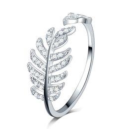 2019 anéis de pedra em ouro para meninas Penas de jóias antigas Projeto ouro branco preenchido micro pavimentar pedras de zircão claro Anéis de Noivado de Casamento meninas anéis de pedra em ouro para meninas barato