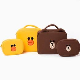 le ragazze costituiscono set Sconti Simpatico astuccio da trucco marrone orso set giallo anatra Trucco Borse 1big + 1piccolo set Custodia da viaggio per ragazze Beauty bag Custodia da toeletta