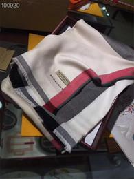 Venda quente Mais Recente Marca Cachecol de alta qualidade carta padrão mulheres Cachecol Moda inverno cachecol lenços das mulheres sem caixa RT-20 de Fornecedores de designer lenço grossistas