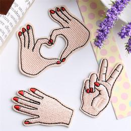 eisenmotive für kleidung Rabatt Meetee Peace Hand Kleidung gesticktes Eisen auf Flecken für Kleidung DIY Stripes Motiv Appliques Love Patch für Kleidersack FZ035