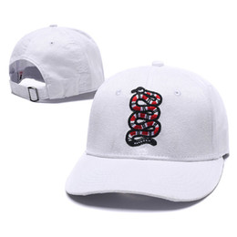 Wholesale custom snakes - Snake Embroidery Cap Custom New Designer Brand Men Lady Adjustable Golf Baseball Cap Hat Snapback Fitted Casquette Hats 16 8xh ZZ