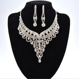 Wholesale simple earings - Simple New Wedding Jewelry Water Drop Crystal Collarbone Chain Necklace Set Bridal Jewelry Pearls Luxury Bracelets Necklace & Earings LD016