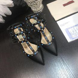 Canada Suivant style femmes classiques chaussures à talons hauts robe chaussures fête de la mode rivets filles sexy chaussures à bout pointu boucle plateforme pompes rivet chaussures Offre