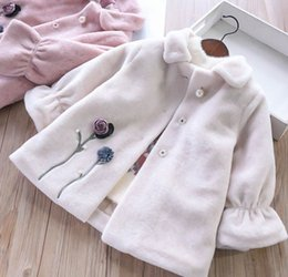 winter damen mantel blumen Rabatt Mädchen outwear Kinder Perlen Stereo  Blumen Prinzessin Mantel Winter Kinder Revers d9dd371086
