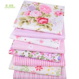 Material de algodón para coser online-Chainho, 8 unids / lote, tela de algodón de sarga Rosa Patchwork Floral Tela para DIY Acolchar Costura BabyChildren Hojas Vestido Material