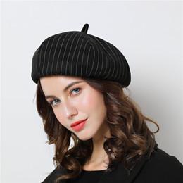 Berretto da donna nero Beret Vogue per l inverno Berretto in cotone a righe  grigio femminile Autunno 2018 Cappelli di marca per donna b53e6572f4c9