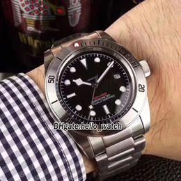 Canada Heritage pas cher Black Bay 79730 cadran noir asiatique 2813 automatique montre homme argent affaire bracelet en acier inoxydable de haute qualité cheap asian silver bracelets Offre