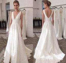 Wholesale Plain Gowns - 2018 White Wedding Dress Simple Plain Summer Beach Boho A Line Backless Country Garden Bridal Gown Custom Made Plus Size