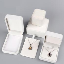 Caja de joyería de tela de terciopelo de alta calidad Caja de regalo Anillo / Collar / Brazalete Organizador de joyería Cajas de almacenamiento Exhibidor de joyería Organizador desde fabricantes