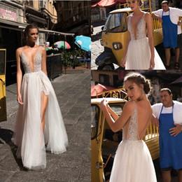 profunda baixa volta vestidos de noiva Desconto Boho Sexy Deusa Moda Vestidos de Casamento com Profundo Profundo Mergulhando Decote Em V Frente Dividir Frisado Low Back Vestidos de Noiva Praia