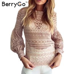 Weihnachten weiße spitze tops online-BerryGo Weiß Spitzenbluse Shirt Frauen Casual Shirt Top Weihnachten sexy auszuhöhlen Laterne Ärmel coole Bluse Weibliche blusas 2016