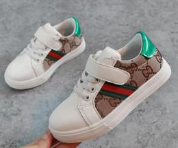 Zapato nuevo coreano online-Nuevo diseñador de moda para niños Zapatos casuales para niños Zapatos de costura coreanos para bebé Boys1688
