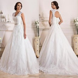 Wholesale Classic Vintage Wedding Dresses - 2018 Classic Made to Order Wedding Dresses Bridal Gowns A Line Princess Open Back Lace Appliques Bridal Gowns with Corset and Sweep Train