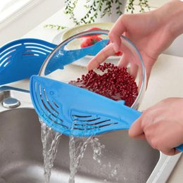 Wholesale Rice Pot - Whale Shape Plastic Pot Strainer Handle Water Filtering Rack Rice Fruit Vegetable Wash Colanders Kitchen Cooking Tools Accessories
