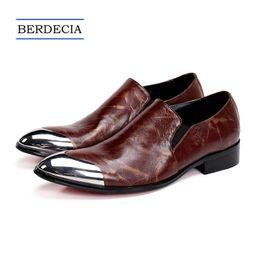 61fabf4ec5d0 2018 Designer Luxus Echtes Leder Männer Kleid Schuhe Klassische Brown  Hochzeit Business Männer Formale Schuhe Beleg auf Brogue Schuhe 38-47