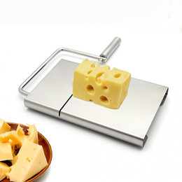 Práctico cuchillo de cocina online-Hot Practical Cheese Slicer Cuchillo de corte de pastel de mantequilla de acero inoxidable Cocina Herramienta de cocina Gadgets Accesorios