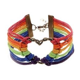 Argentina Nuevo diseño de moda atractivo arco iris bandera orgullo LGBT Charm corazón trenzado pulsera Gay lesbianas pulseras de amor cheap rainbow charm bracelet Suministro