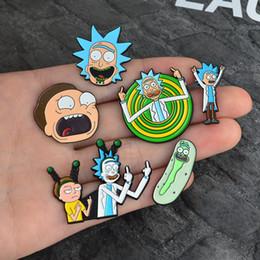 Botones de estilo online-Miss Zoe Rick y Morty Iconos de dibujos animados clásicos Estilo Esmalte pin Insignia Botones Broche Anime Amantes Camisa chaqueta de mezclilla pin de solapa