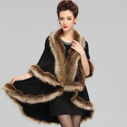 Moda di alta qualità Cappa Mantello 2018 Inverno Nuova imitazione Raccoon Dog Collare di pelliccia Knit Scialle Cappotto Stile medio Ladies Maglione Cardigan Mantello da