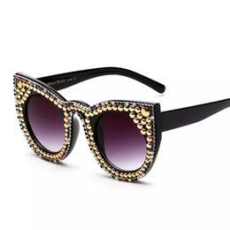 5863b823d7a05b oeil aux chats perle Promotion Vintage Femmes Cat Eye Pearl Lunettes de  Soleil avec Rhinstones Lunette