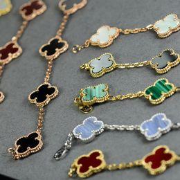 Wholesale Green Clover Charm - V Bracelets Paris clover Bracelet Lucky clover Bracelet love expend glory riches Fashion design Women wedding party Bracelets