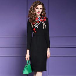 bc3421d0c Vestido de fiesta de la señora de la oficina de otoño 2018 nuevas mujeres  flor de la navidad vestido de fiesta más el tamaño de invierno de la  vendimia ...