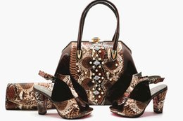Chaussures et sacs de mariée chauds assortis aux chaussures de soirée et aux sacs de mariage ? partir de fabricateur