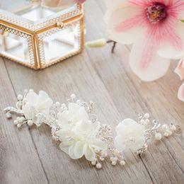 Wholesale round pearl garland - Korean Style White Flower Hairpin Clip 2018 New European Style Pearls Bridal Headwear Garland Hoop Diamond Wedding Accessories Free Shipping