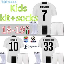 mejores uniformes de futbol Rebajas 18 19 inicio DYBALA Ronaldo soccer  Jersey kit niños + calcetines f558be881282e