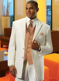 Canada Nouveau Ivoire Deux Boutons Peak Lapel Groom Tuxedos Hommes Costumes De Mariage Meilleur Costume Homme (Veste + Pantalon + Gilet + Cravate) 696 supplier ivory peak lapel tuxedo Offre