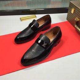 Chaussures pour hommes. Designer de mode. Chaussures en cuir véritable. ? partir de fabricateur