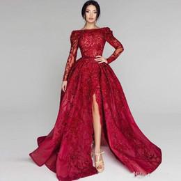Canada 2018 Elie Saab Red Prom robes sur l'épaule en dentelle Applique côté Split perlée manches longues robes de soirée balayage train robe de soirée cheap elie saab red lace gown Offre