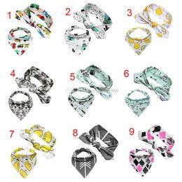 arco de cabeça de toalha Desconto Novo dos desenhos animados INS Burp Panos Arco headband define bebê meninas meninos Burp Cloths algodão Triangular toalha 2 pçs / set C2845