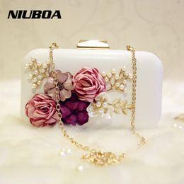 Wholesale Wedding Handbag White - Luxury Crystal Clutch Evening Bag White Black Flower Party Purse Women Wedding Bridal Phone Handbag Pouch Pearl Soiree Pochette