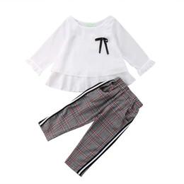Дети без рукавов белые футболки онлайн-Toddler Kid Baby Girl Chiffon Full Sleeveless White Tops T-shirt Stripes Trousers Pants Casual Clothes Baby Set Bow Clothing