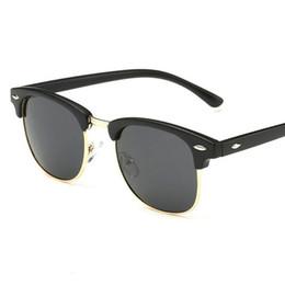 1656399568 2019 demi-lunettes Classique Hommes Moitié Cadre Lunettes De Soleil  Polarisées Femmes Vintage Marque Designer