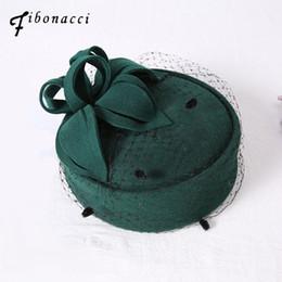 2019 copricapo da cerimonia nuziale Fibonacci 2017 New Wedding Fedora Hat Wool Felt Beret Performance Cerimoniale Banchetto Abito da sposa Copricapo Cap sconti copricapo da cerimonia nuziale