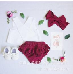 2019 roupa de cruz vermelha 3 pçs / set Bebê Menina Roupa de Verão Branco de Volta Cruz Colete Tops + Red Bloomer Shorts + Headband Legal Conjuntos de Roupas desconto roupa de cruz vermelha