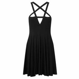 Wholesale Mujeres atractivas del club de moda negro mini vestidos góticos Venta caliente barato A Line del tirante de espagueti pullover niñas vestido de viaje