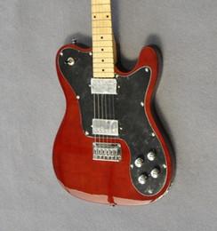 Canada Livraison gratuite de guitares électriques marron classiques de haute qualité. Matériaux de corps en bois Ding, livraison exquise Offre