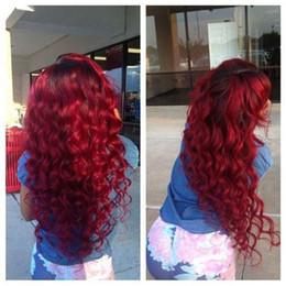 perucas onduladas de renda vermelha Desconto Moda Longo Solto Encaracolado Vinho vermelho Peruca Sintética Ombre Preto para Borgonha Vermelho Peruca Dianteira Do Laço Resistente Ao Calor para As Mulheres Negras