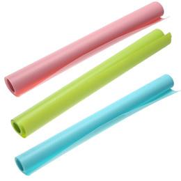 Nevera a color online-150 * 45 CM 3 colores almohadilla de refrigerador antibacteriano antifouling moho absorción de humedad cojín alfombrillas de refrigerador