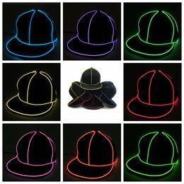Casquette de baseball lustre en Ligne-10styles EL Peaked Cap LED Lumière Up Glow Hat Noir Tissu Sport Costume Luminous Cap Fluorescent Pub Danse Partie Baseball Chapeaux FFA940