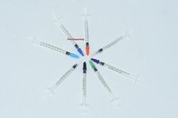50 conjuntos / lote dispensando seringas 1cc 1 ml de plástico com tampa de ponta de