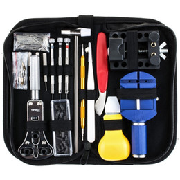 147Pcs Uhr Repair Tool Kit Gehäuseöffner Link Spring Bar Remover Uhrmacher Werkzeug 20.5x10x4.5cm von Fabrikanten