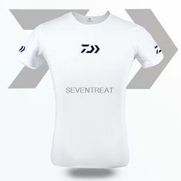 0e853584ca4e 2018 Fishing T Shirt Dawa Daiwa Fishing Clothing Dawa Short Sleeve Quick- Drying Breathable Anti-UV Sun Protection T Shirt