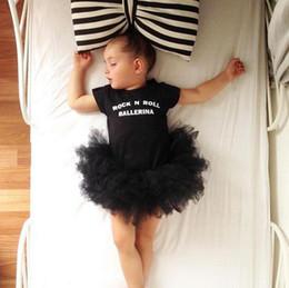 Ins verano infantil bebés niñas mamelucos vestido niños letras de manga corta vestido de ballet falda de burbuja niños pequeños escalada ropa negro 3984 desde fabricantes