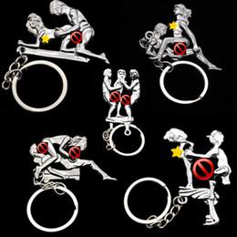 Amante Sexy Postura Ding Ding Keychain per gli uomini Donne Auto portachiavi a catena pendente della collana adulto divertente giocattolo catena chiave gioielli di moda cheap posture chain da catena di postura fornitori